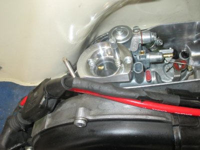 interno scatola carburatore+venturi lucidati.jpg